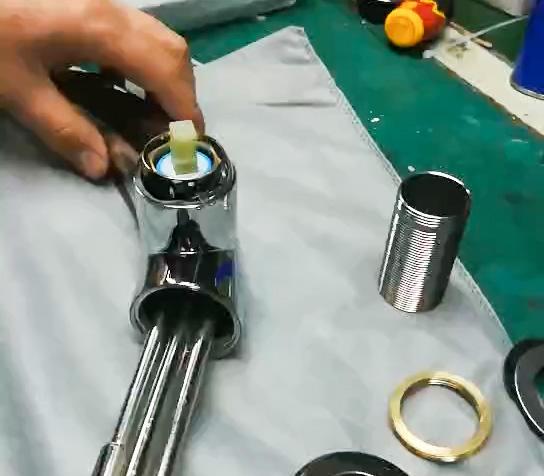 Basin pull faucet
